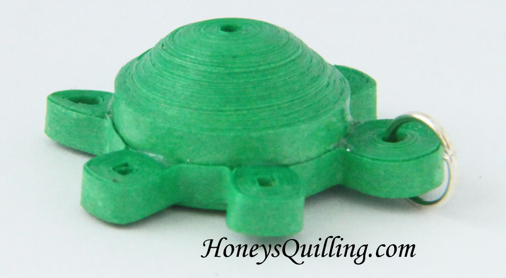 Paper Quilled 3D MIniature Turtle Pattern - Fee tutorial from Honey's Quilling - turtle jewelry